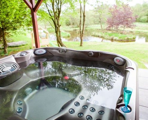 Self Catering with hot tub spa in Scotland
